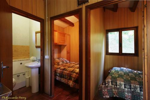interno-casetta-camping-lago-apuane
