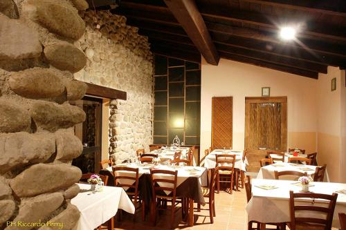 interno-ristorante-camping-lago-apuane