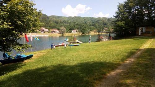 noleggio-camping-lago-apuane